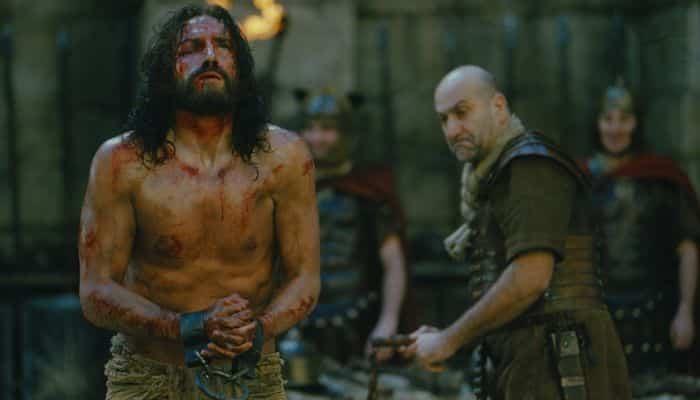 La sangre que salió al serle arrancados pedazos de su barba.