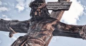 Jesús en la cruz sufrió las dolencias