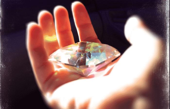 qué dice la biblia sobre los cristales