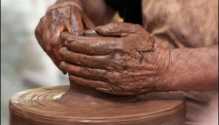 Barro en manos del alfarero