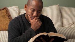 Cómo estudiar la Biblia para practicarla